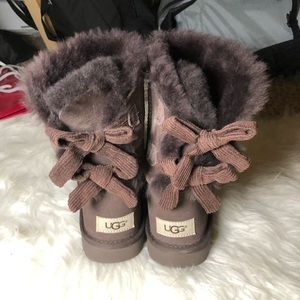 Brand new Ugg bow boots sz 5